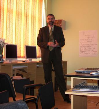 """Cotidianul – Gabriel Sava, expert geolog: """"Exploatările gazelor din şist, adevărate bombe chimice, mai periculoase decât cianurile de la Roşia Montană!"""" (partea I, 26.03.2012)"""