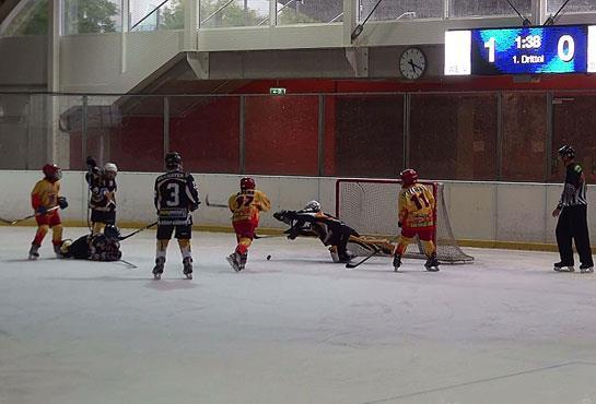 Colaj foto, Wiener Eisloven – Gladiators Dunărea Galați scor final 2-5, pe reprize (1-0, 0-2, 1-3)