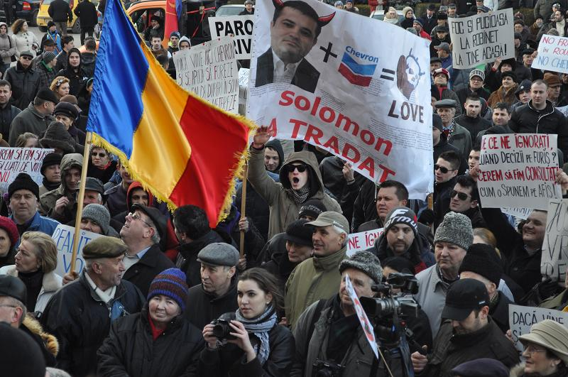 Ieri, la Bârlad au fost 8000 de manifestanţi în stradă / Guvernul Ponta şi Presa Centrală, cu mici excepţii, au ignorat evenimentul!