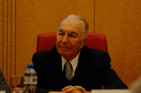 La mulţi ani, Domnule Academician Alexandru T. Balaban!