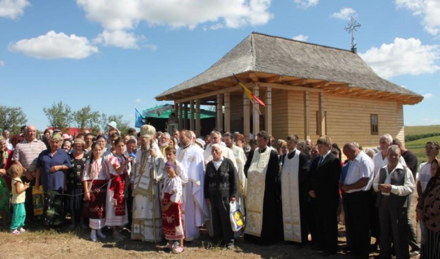 """Campanie VL """"Biserici istorice gălăţene"""": Schitul maicilor de la Zimbru, pe urmele paşilor Sfântului Rafail"""