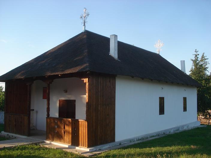 """Campanie VL """"Biserici istorice gălăţene"""": Cerdacul deschis din Bursucani, bijuterie arhitecturală"""